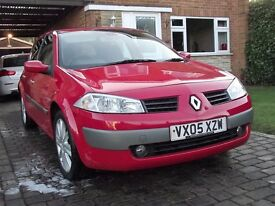 2005 MEGANE 1.5 DCI 5 DR LOW MILES AND A GIVEAWAY PRICE BE QUICK!!!!!!!!!!!!!!!