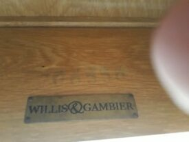 Willis & gambier extendable table
