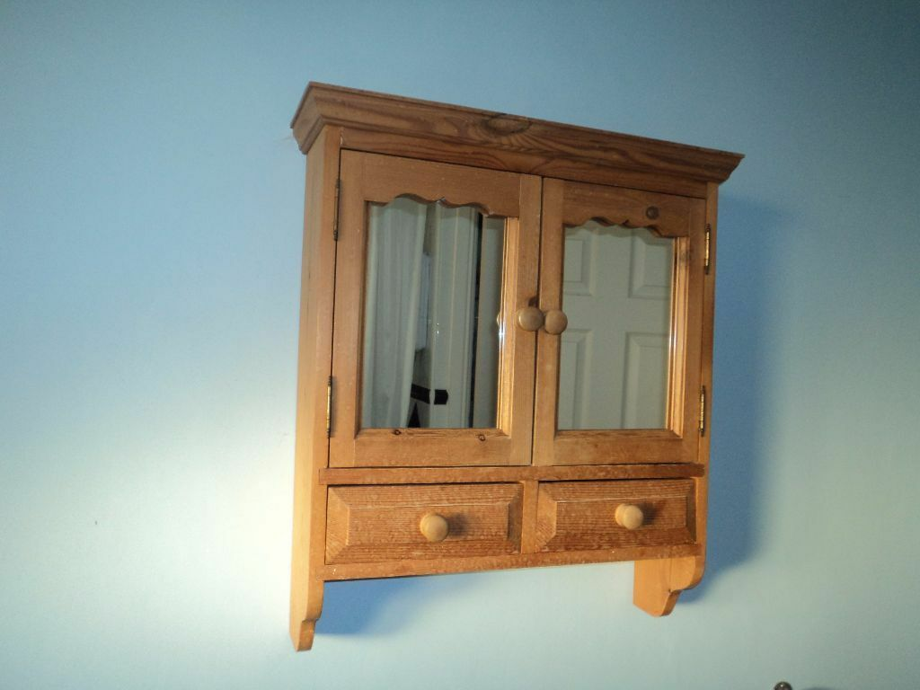 Pine bathroom cabinet in chelmsford essex gumtree for Bathroom cabinets gumtree