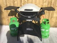 Weber Q2000 2 burner Gas Barbecue with stand