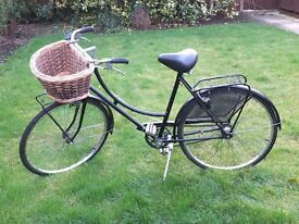 Ladies Bicycle with Fitted Front Basket, Helmet and Cover