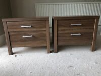 Set of 2 bedside tables and chest of drawers - excellent condition - matching set