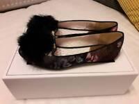 Women's Ted Baker Pom Pom Slippers Size 4