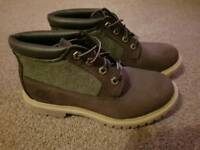 Ladies New Timberland Boots Size 5