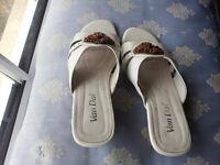 Van Dal open toe sandals Cream Size ^