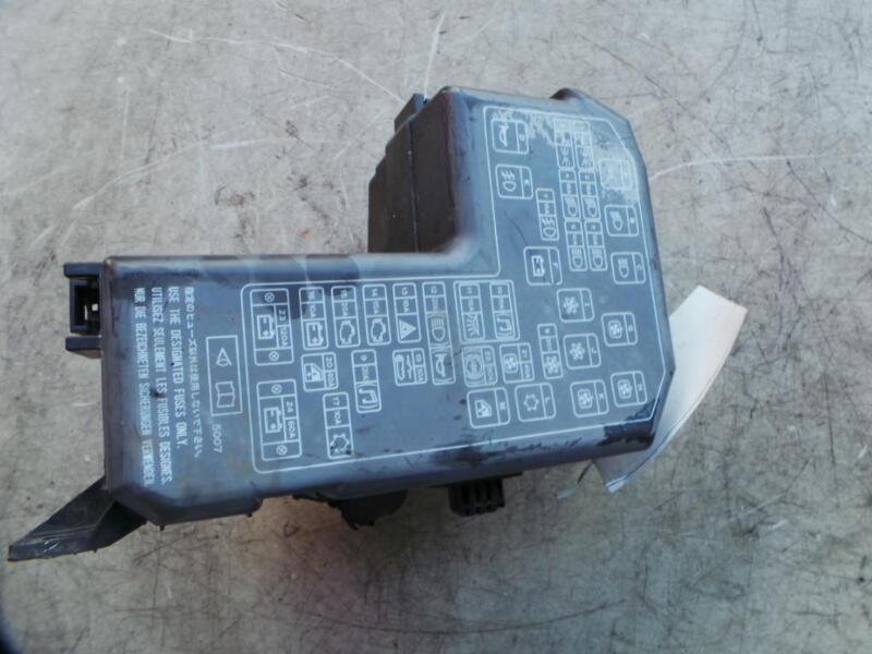 mitsubishi magna fuse box in engine bay, tl-tw, 07/03-08/05 | ebay  ebay