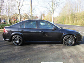 Ford Mondeo ST220 Hatch Black 04 plate