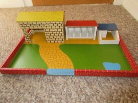 Wooden farmyard - free to a good home