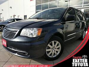 2014 Chrysler Town & Country Touring w/DVD AND NAV