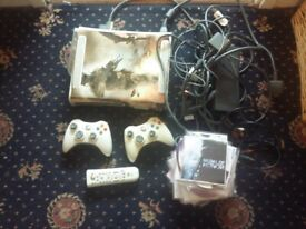Xbox 360 with Freestyle Dash 3 - unlimited free games | in Oldham