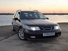 Very well maintained Saab 95 Estate.