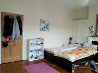 Large bright double room near city centre!