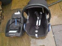 Maxi-Cosi Cabriofix Car seat (group 0+) & EasyBase 2 (belted not isofix)