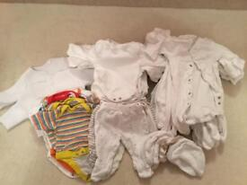 Tiny/ new/early baby clothes bundle