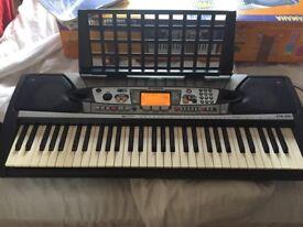 Yamaha PSR 282 keyboard