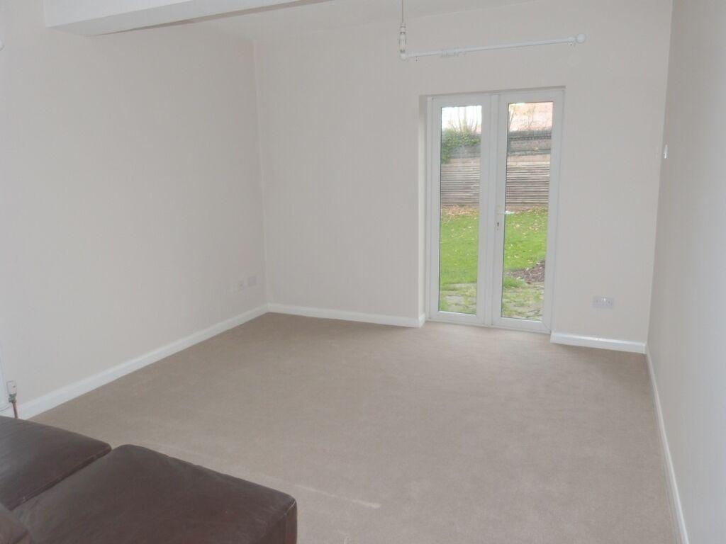 1 bedroom flat in GF, St Pauls Avenue, Willesden Green, NW2
