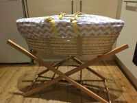 Mamas & Papas Moses basket with stand / new mattress