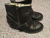 Size 5 black rocket dog boots