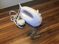 Electric hand mixer - mint condition