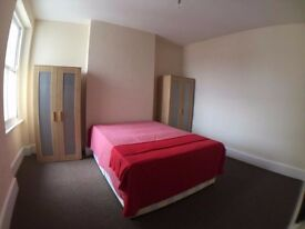 3x Double rooms same flat
