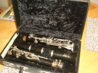 BOOSEY and HAWKES CLARINET in case