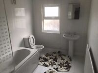Newly Decorated 2 Bedroom Terrace House, Rochester