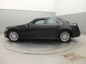 2014 Chrysler 300 AWD MAGS TOIT PANO CUIR West Island Greater Montréal image 12