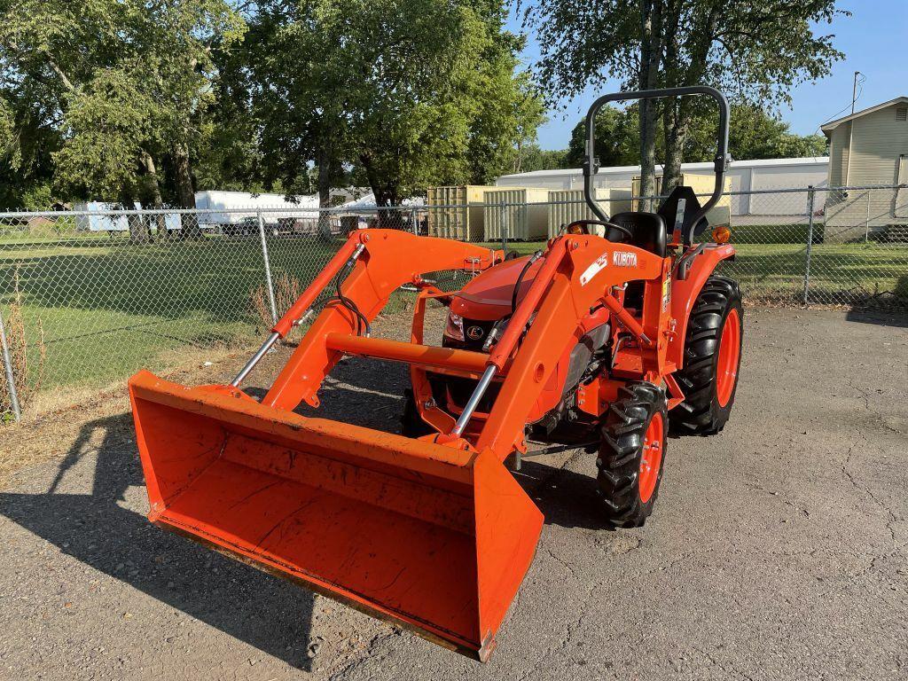 Owner 2016 KUBOTA L3301 Tractor 313 Miles ORANGE  33 Automatic