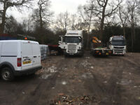 Yard to Rent for Lorry Parking & 20/40ft Storage containers available