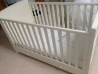 Silver Cross Nostalgia Cot/bed inc Delux Mattress & Matching Changing Station