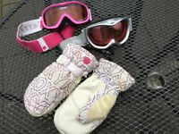 Girls Roxy Ski Gloves and Ski Goggles medium
