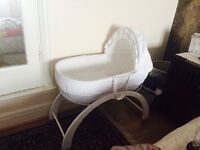 Shnuggles baby basket with curve stand *in excellent condition *