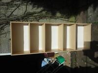 Lightweight bookshelf