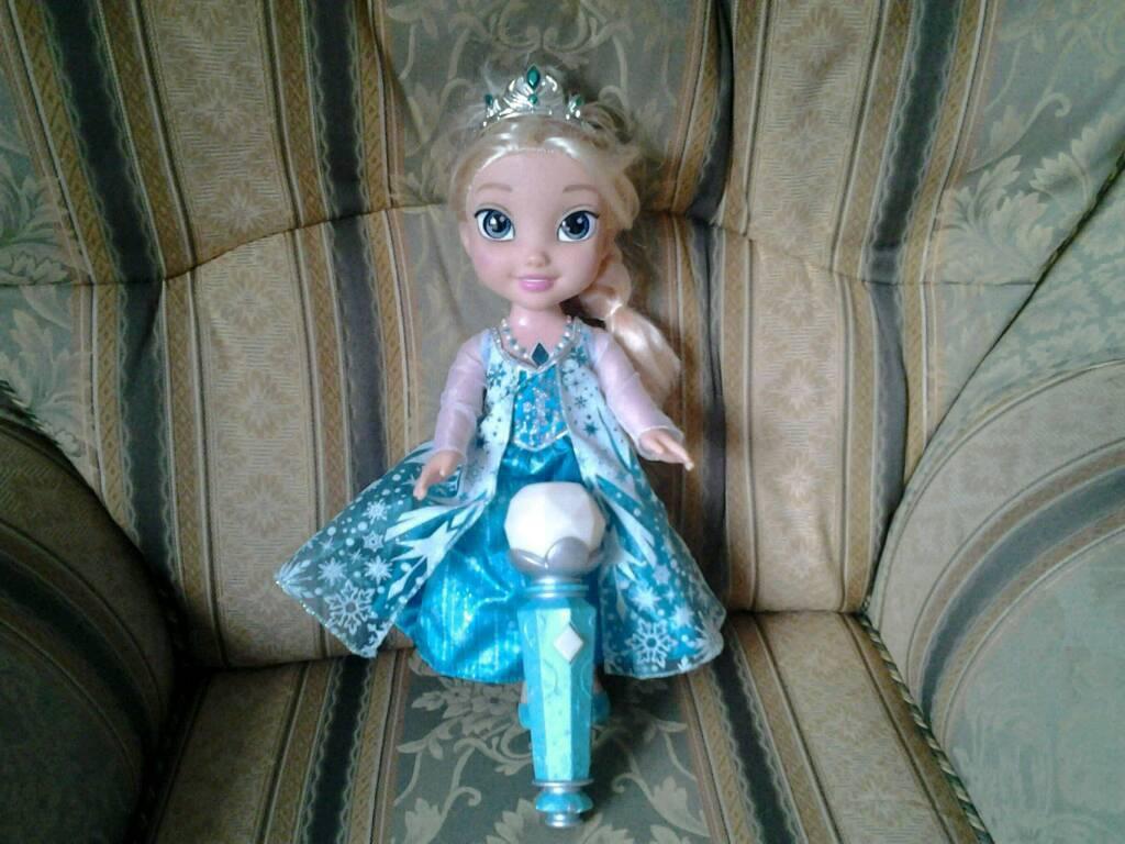 Dolls from frozen
