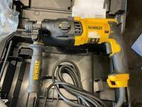 Dewalt Heavy Duty Rotary Hammer Drill 110v 2KG - D25032 - Brand New
