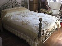 DOUBLE VINTAGE BEDSPREAD, PILLOW CASES & CUSHION COVER