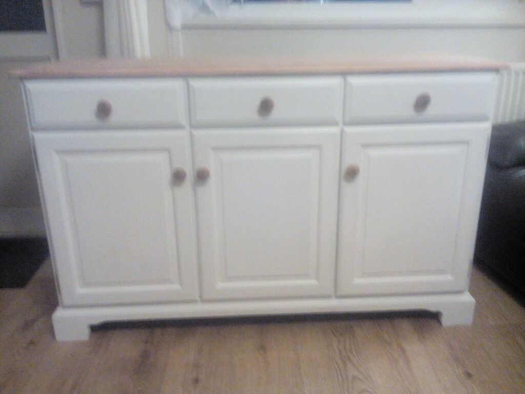 pine shabby chic 3 door sideboard in braintree essex. Black Bedroom Furniture Sets. Home Design Ideas