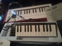 Akai LPK25 and Accoustic Solutions Keyboard