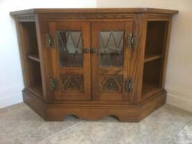 Old Charm TV Cabinet in Light Oak