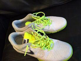 Men's white Nike trainers size 8UK/42EU