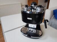 DeLonghi coffe maker, machine