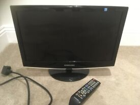 SAMSUNG 19 ins TV Monitor ideal for games etc