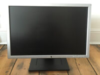"Monitor DELL 19"" inches Widescreen in very good condition £25 ONO"