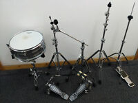 Cymbal stands, snare & double pedal kick. Everything in good conditions.