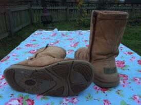 Size 5 genuine Ugg Boots
