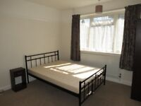 Great Location! Spacious 2 Bedroom Flat in Raynes Park, Available Now!