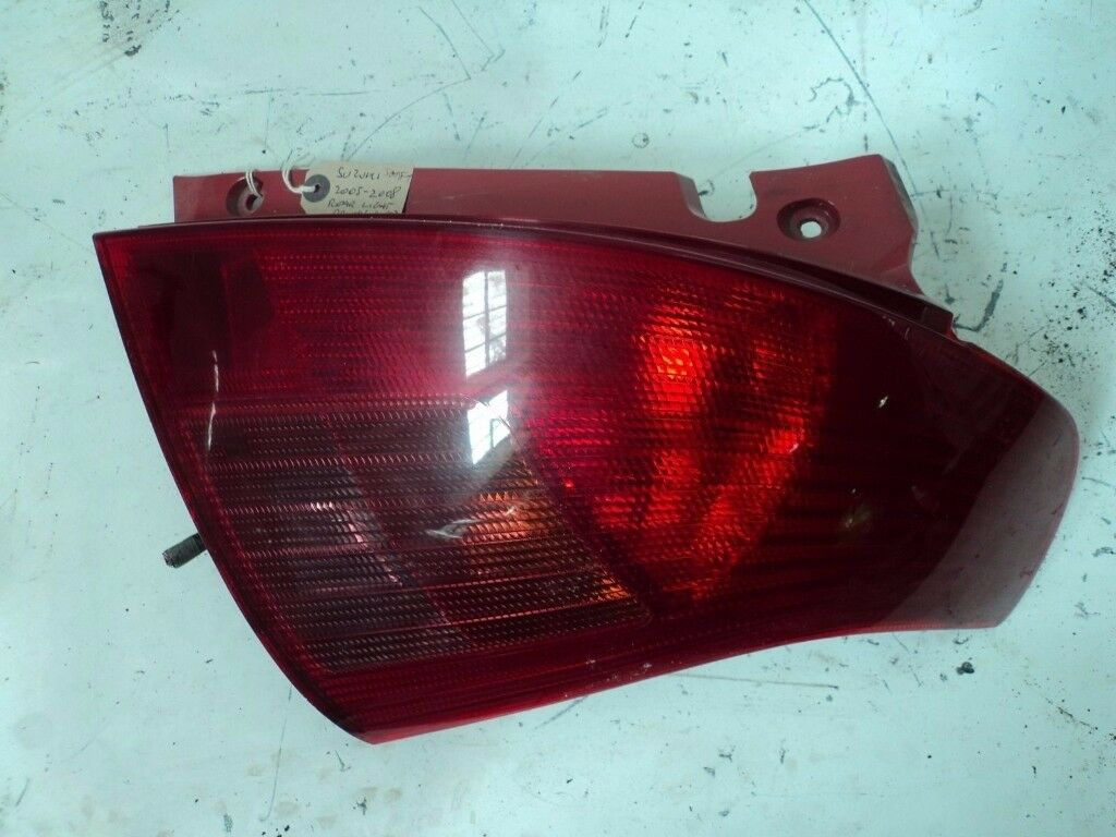 SUZUKI SWIFT 2005-09 DRIVERS SIDE REAR TAIL LIGHT*other parts available*
