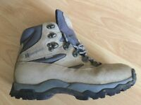 GOR-TEX WALKING/HIKING BOOTS SIZE 8 RAID GTX BY BERGHAUS LIGHT BROWN.