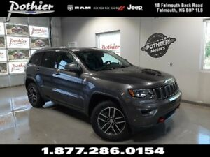 2017 Jeep Grand Cherokee Trailhawk  | LEATHER | PANORAMIC ROOF |
