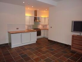 2 bed, 1st floor, bright & modern flat in central Abingdon (Regal Close)